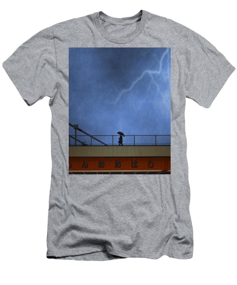 Bridge Men's T-Shirt (Athletic Fit) featuring the photograph Strolling In The Rain by Juli Scalzi
