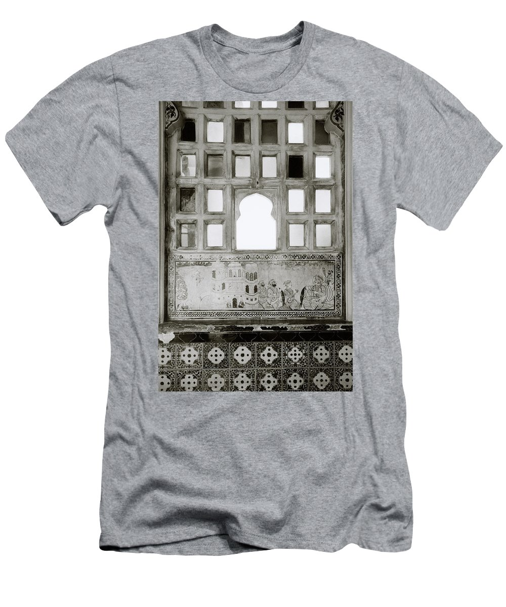 Udaipur Men's T-Shirt (Athletic Fit) featuring the photograph The City Palace Window by Shaun Higson