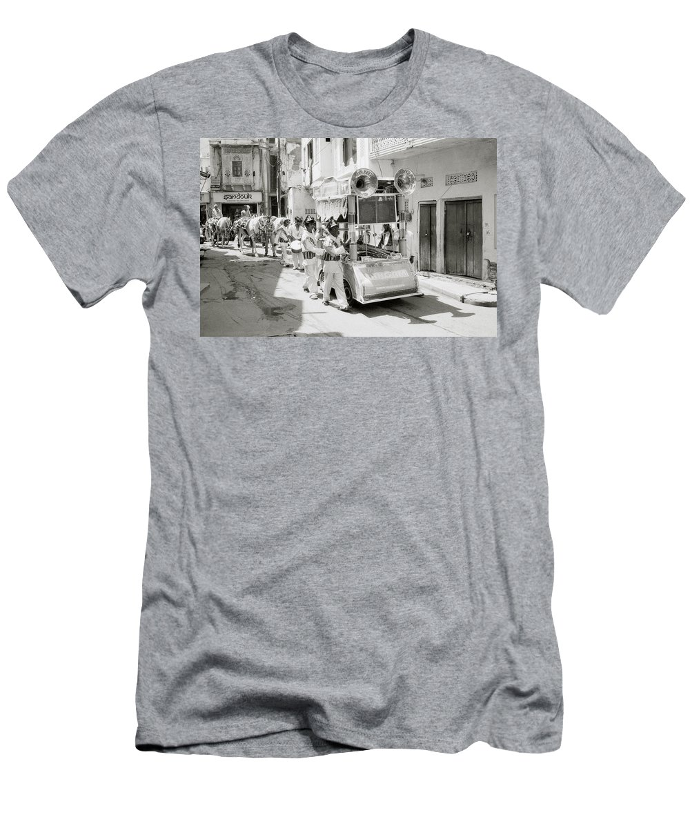Udaipur Men's T-Shirt (Athletic Fit) featuring the photograph The Procession by Shaun Higson