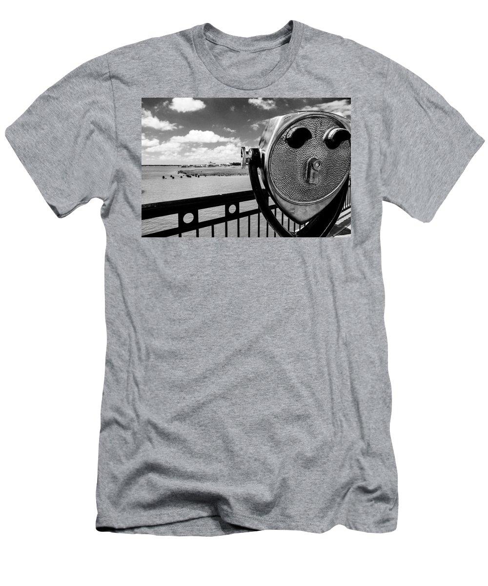 Landscape Men's T-Shirt (Athletic Fit) featuring the photograph The Viewer by Sennie Pierson