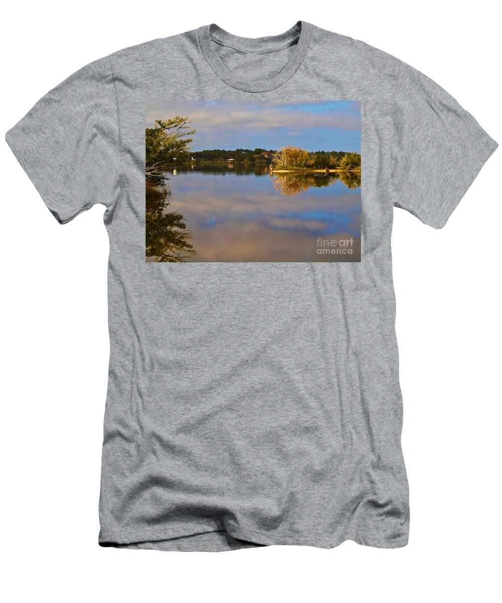 America Men's T-Shirt (Athletic Fit) featuring the photograph Tomoka River by Howard Stapleton