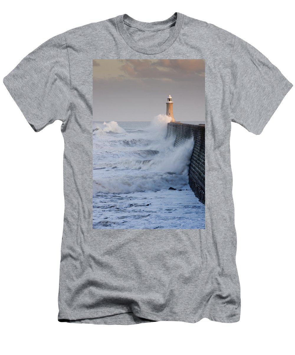 Breaking Men's T-Shirt (Athletic Fit) featuring the photograph Tynemouth North Pier With Waves by David Head