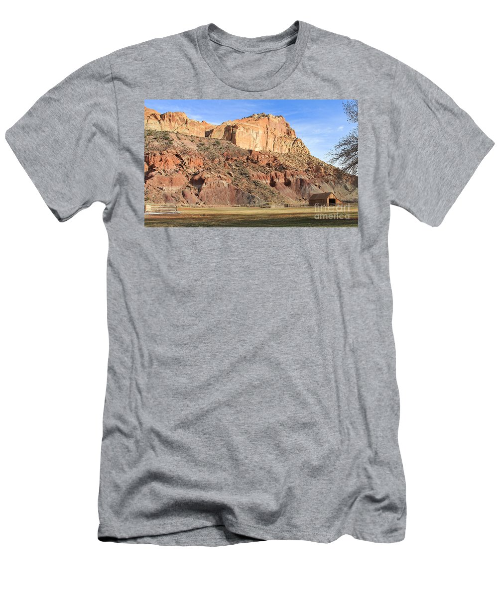 Utah Men's T-Shirt (Athletic Fit) featuring the photograph Utah Horse Barn 2744 by Jack Schultz