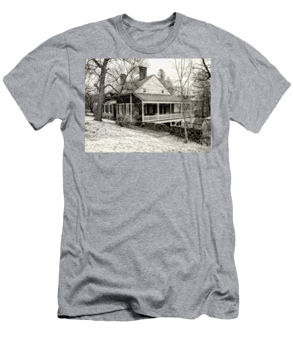 Bw Men's T-Shirt (Athletic Fit) featuring the photograph Van Cortlandt Manor by Claudia Kuhn
