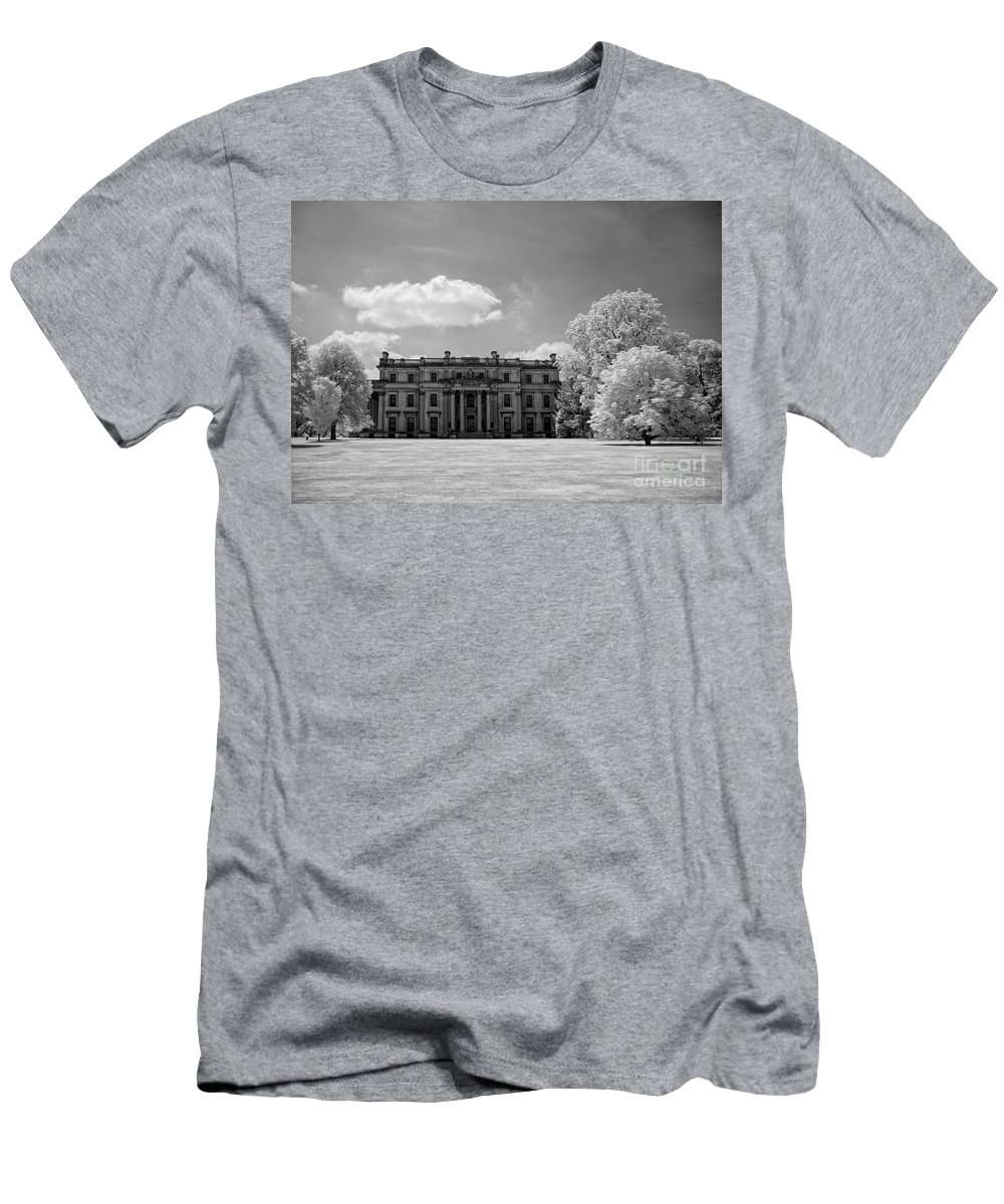 Ir Men's T-Shirt (Athletic Fit) featuring the photograph Vanderbilt Mansion by Claudia Kuhn