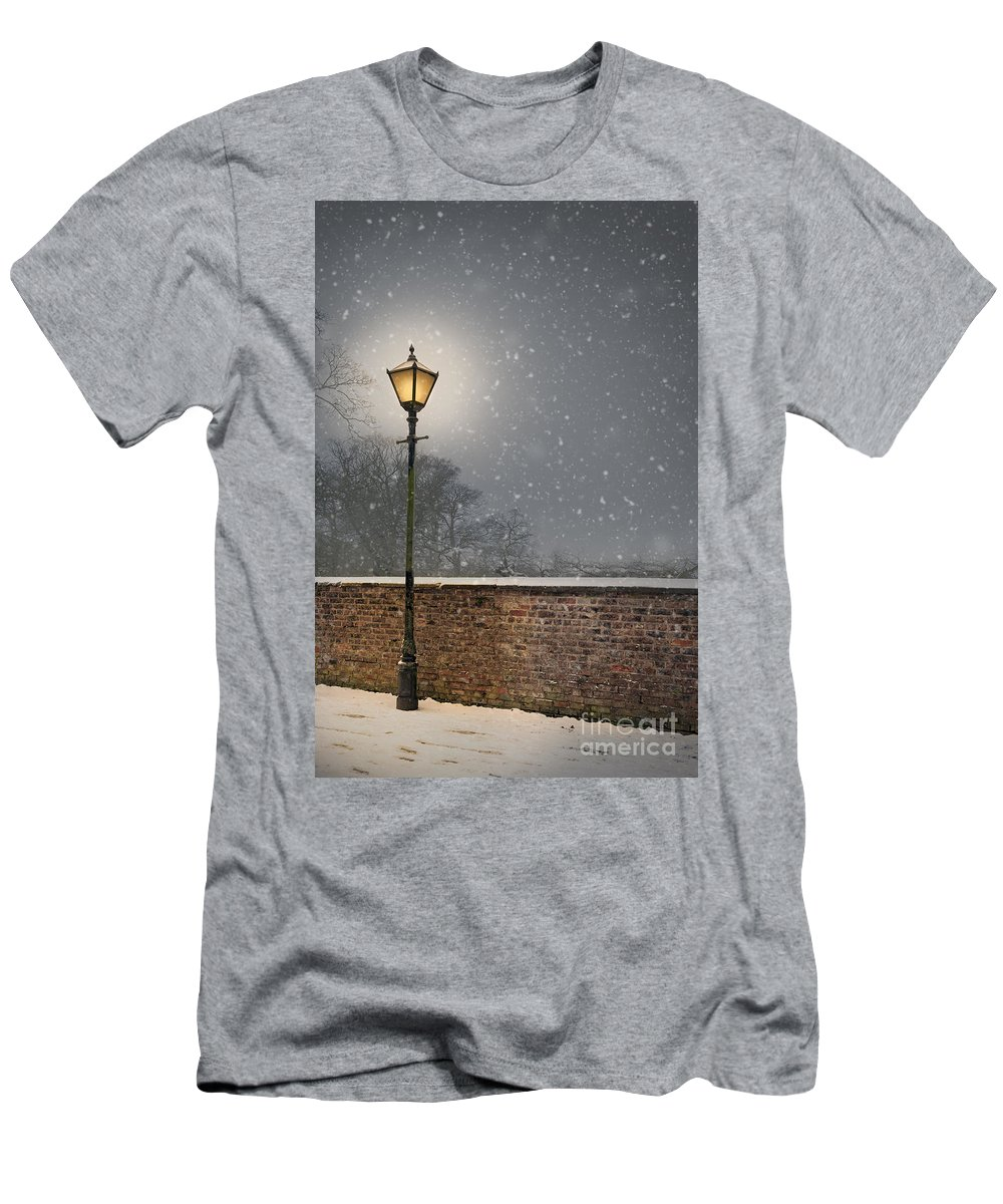 Winter Men's T-Shirt (Athletic Fit) featuring the photograph Victorian Street Lamp In Snow by Lee Avison