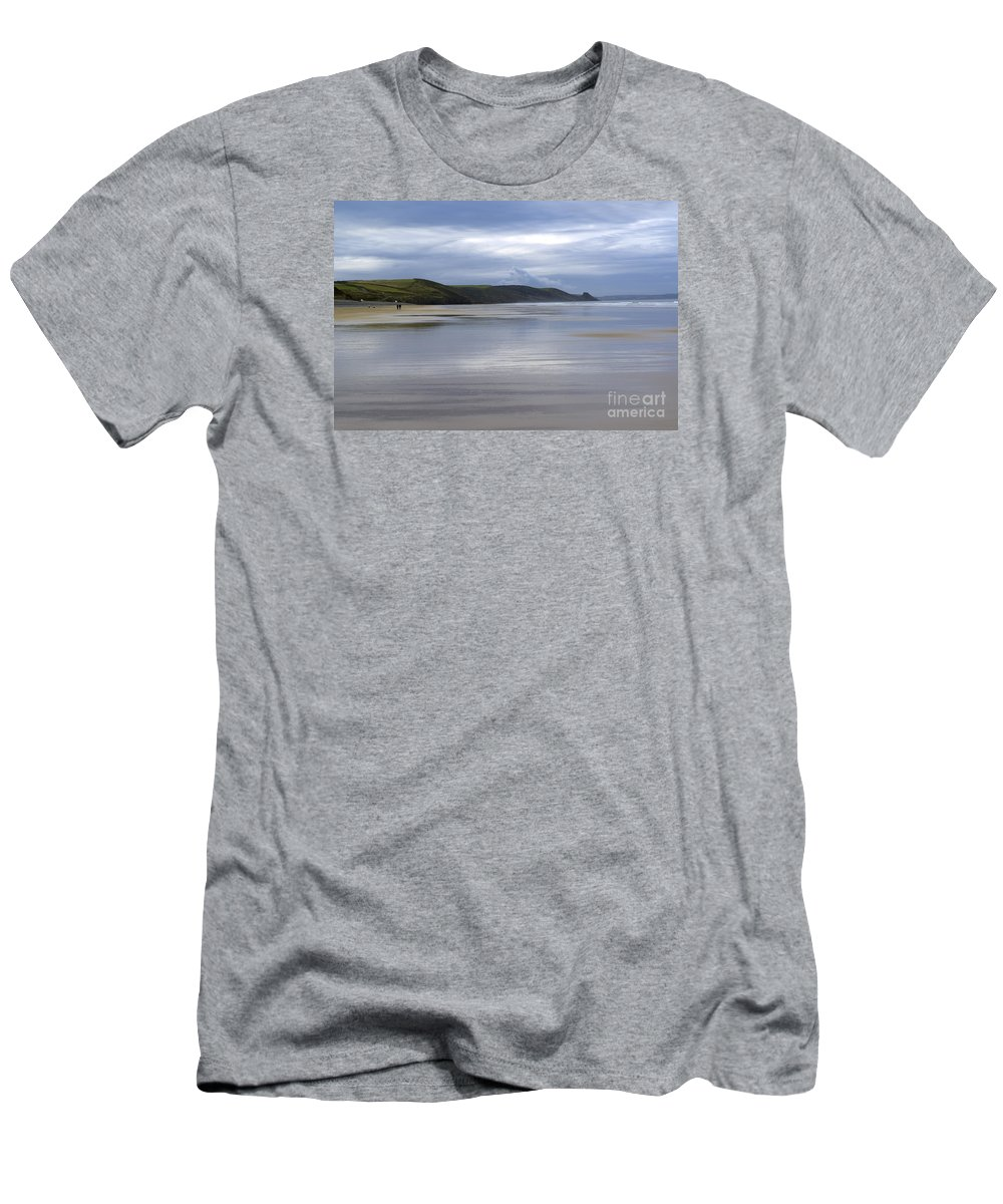 Doug Men's T-Shirt (Athletic Fit) featuring the photograph Wide Open Spaces by Wendy Wilton