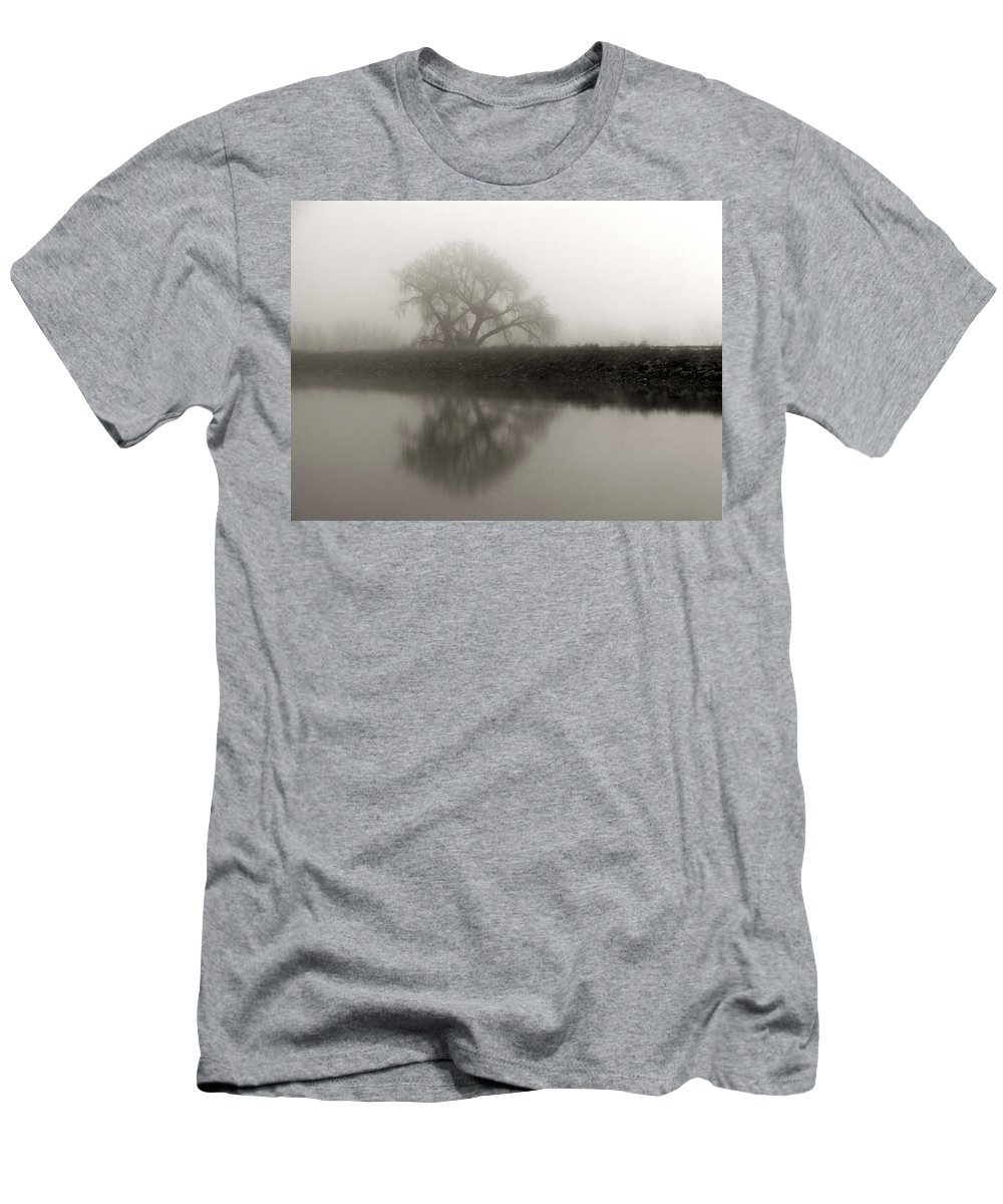 Tree Men's T-Shirt (Athletic Fit) featuring the photograph Winter Mist by Marilyn Hunt