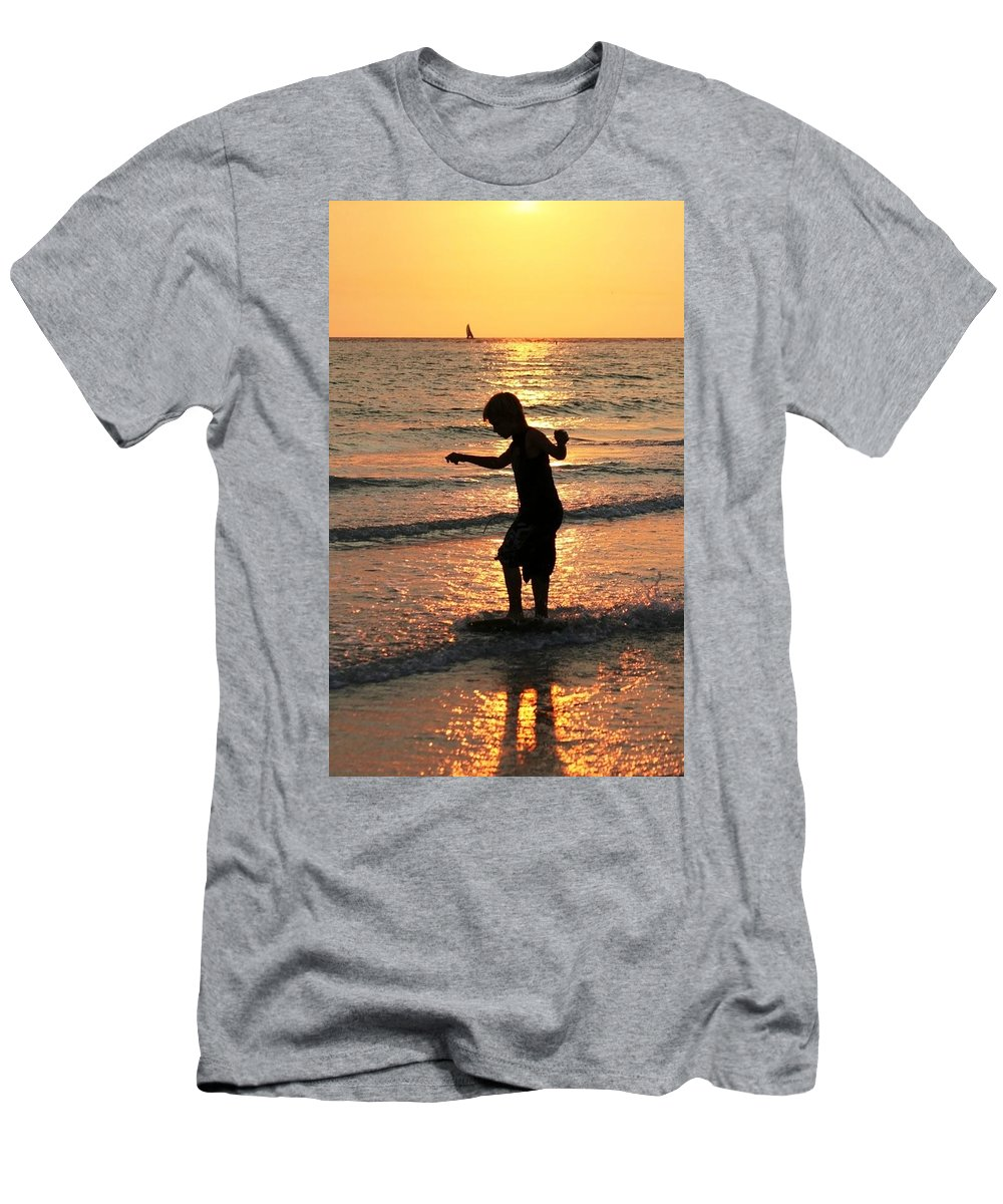 St Petes Beach Men's T-Shirt (Athletic Fit) featuring the photograph Zakset by Sheryl Chapman Photography