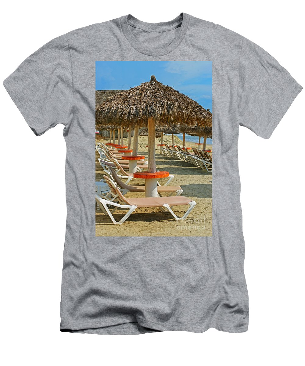 Beaches Men's T-Shirt (Athletic Fit) featuring the photograph Beach Chairs by Randy Harris