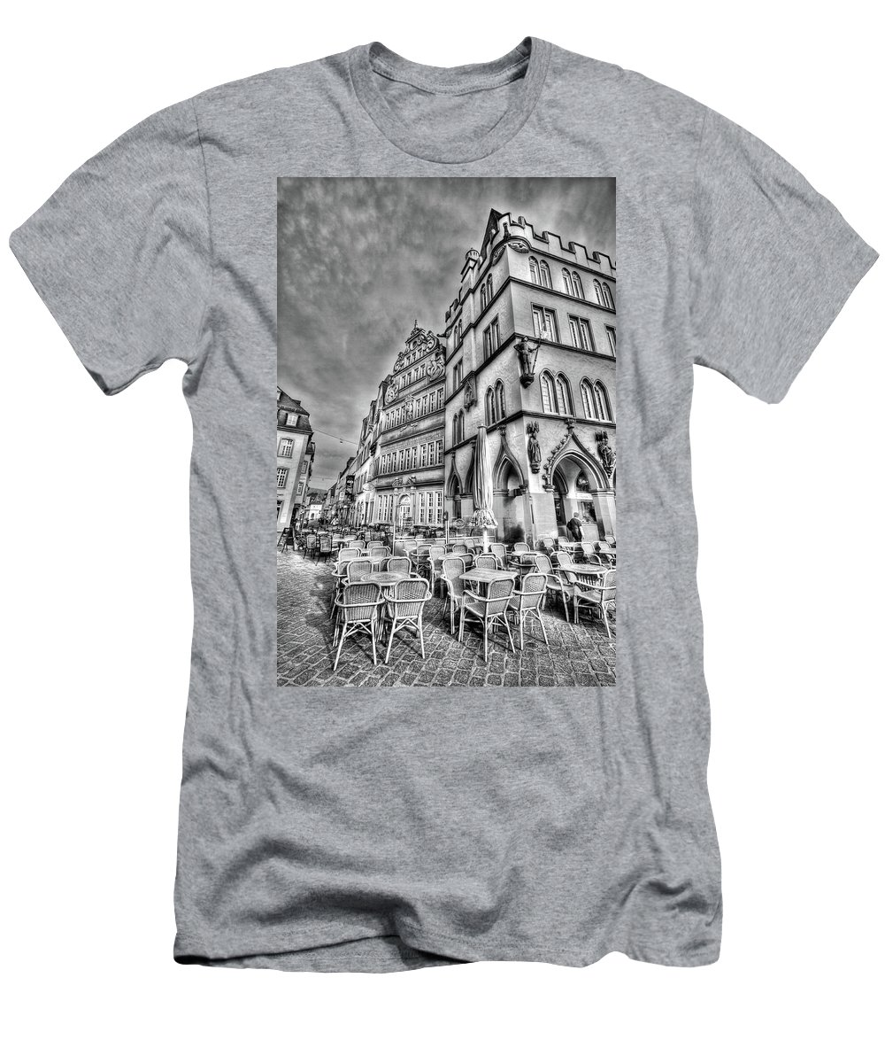 Trier Germany Men's T-Shirt (Athletic Fit) featuring the photograph Chairs In The Square by Bill Lindsay