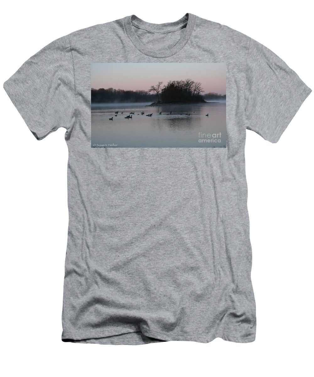Outdoors Men's T-Shirt (Athletic Fit) featuring the photograph First Light by Susan Herber