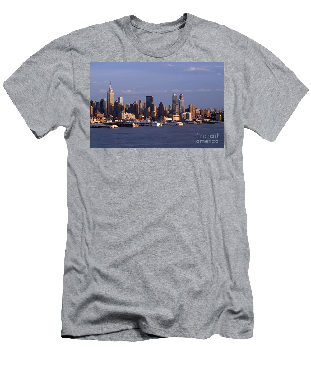 New York City Men's T-Shirt (Athletic Fit) featuring the photograph Golden Glow Of New York City by Living Color Photography Lorraine Lynch