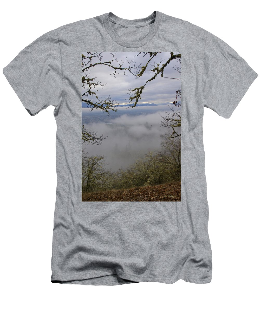 Fog Men's T-Shirt (Athletic Fit) featuring the photograph Grants Pass In The Fog by Mick Anderson