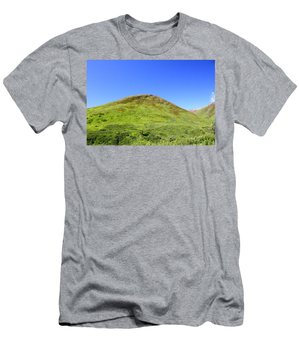Doug Lloyd Men's T-Shirt (Athletic Fit) featuring the photograph Hatcher Pass by Doug Lloyd