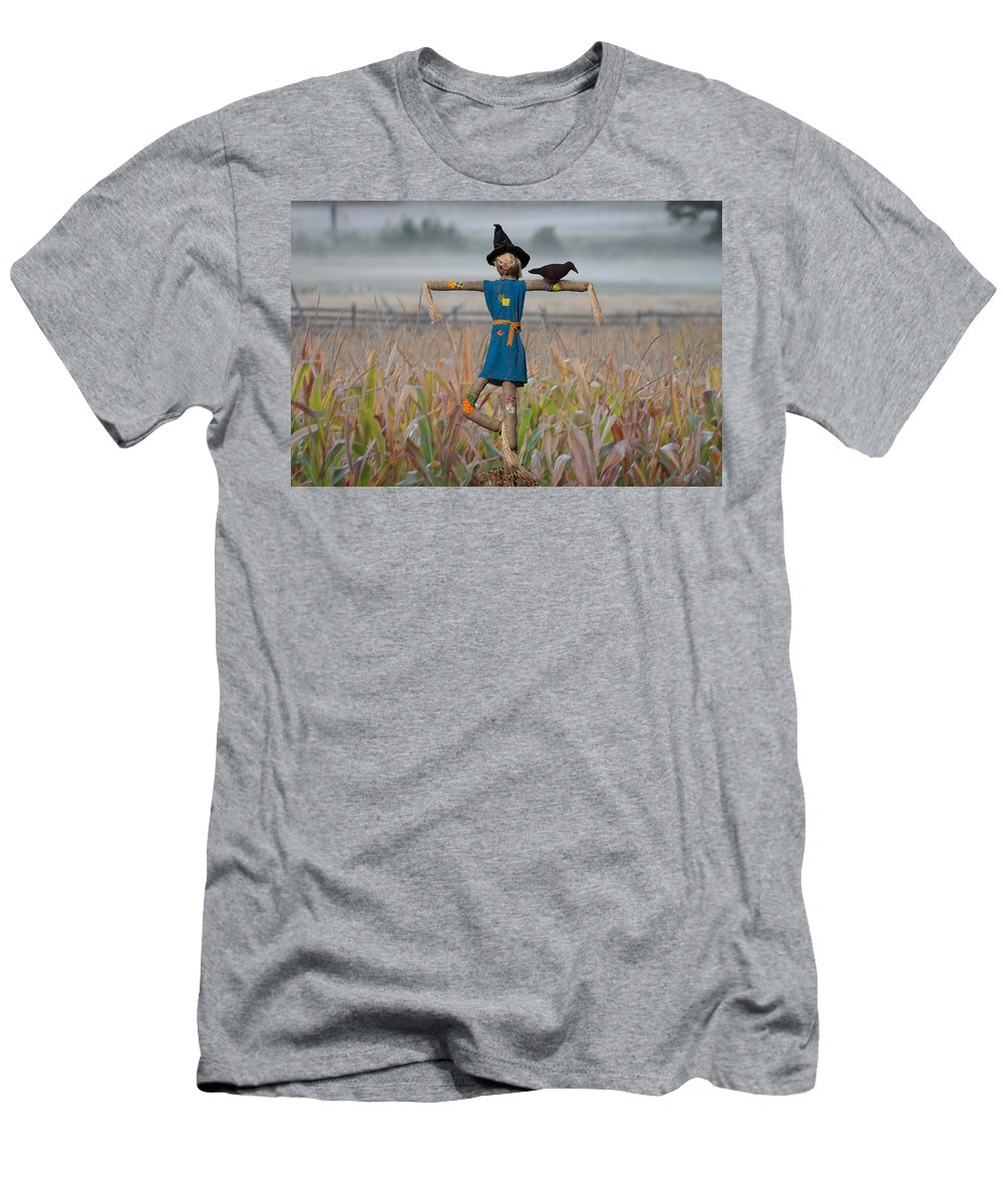 Scarecrow Men's T-Shirt (Athletic Fit) featuring the photograph If I Only Had A Brain by Bill Cannon