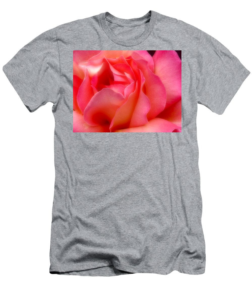 Rose Men's T-Shirt (Athletic Fit) featuring the photograph Inside My Heart II by Rory Sagner