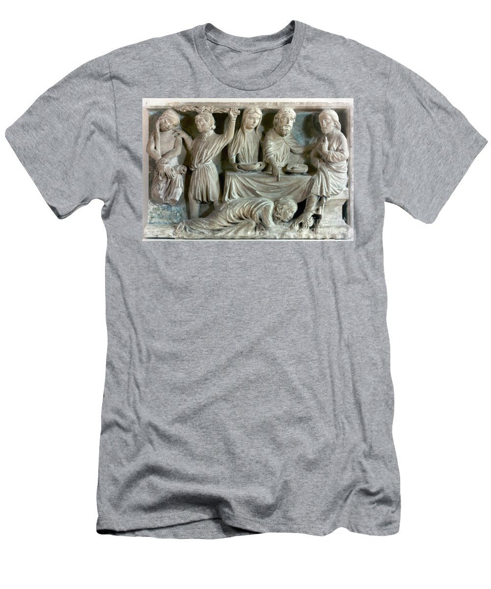 13th Century Men's T-Shirt (Athletic Fit) featuring the photograph Jesus And Mary Magdalene by Granger