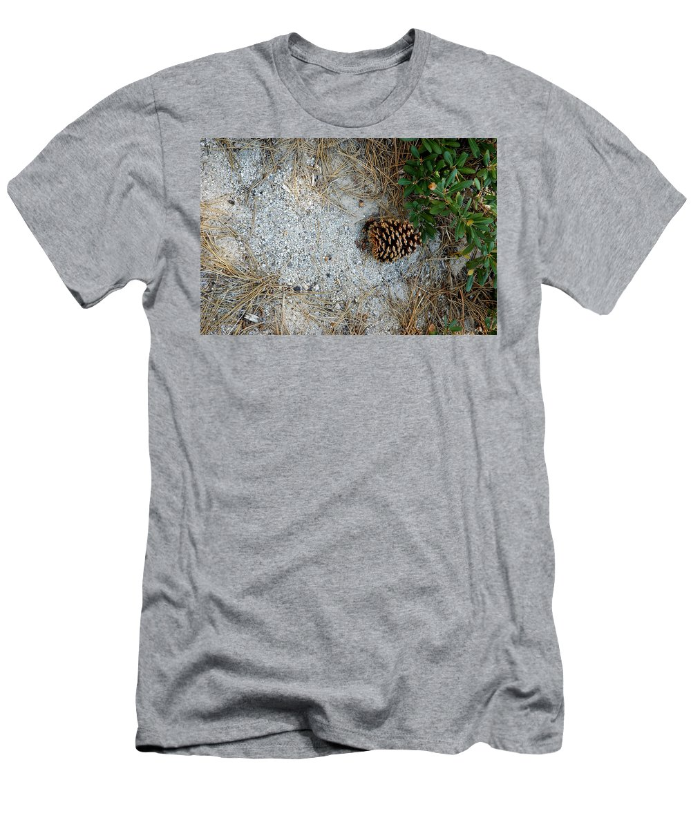 Usa Men's T-Shirt (Athletic Fit) featuring the photograph Nature Decorations by LeeAnn McLaneGoetz McLaneGoetzStudioLLCcom