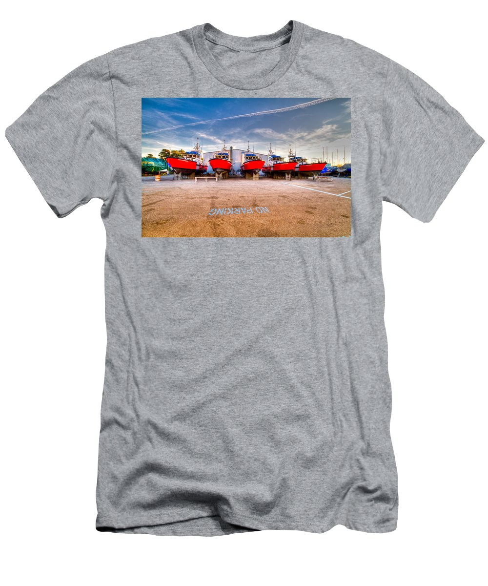 Ccg Men's T-Shirt (Athletic Fit) featuring the photograph No Parking by Bill Lindsay
