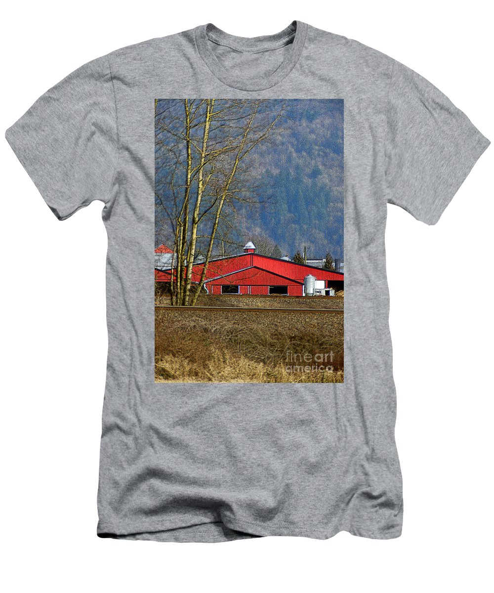 Barns Men's T-Shirt (Athletic Fit) featuring the photograph Red Matsqui Barn by Randy Harris