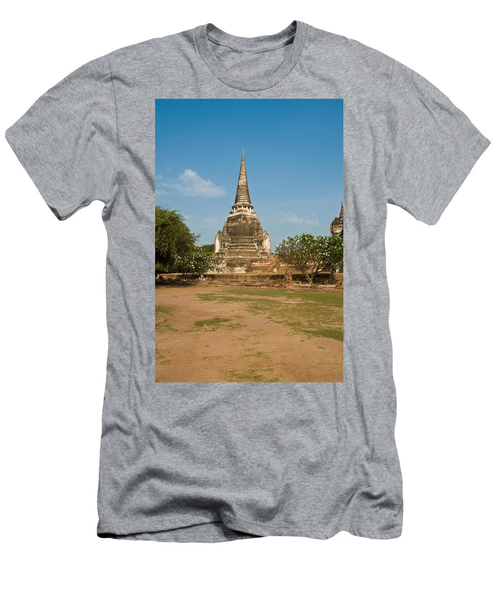 Architecture Men's T-Shirt (Athletic Fit) featuring the photograph Stupa Chedi Of A Wat In Thailand by U Schade