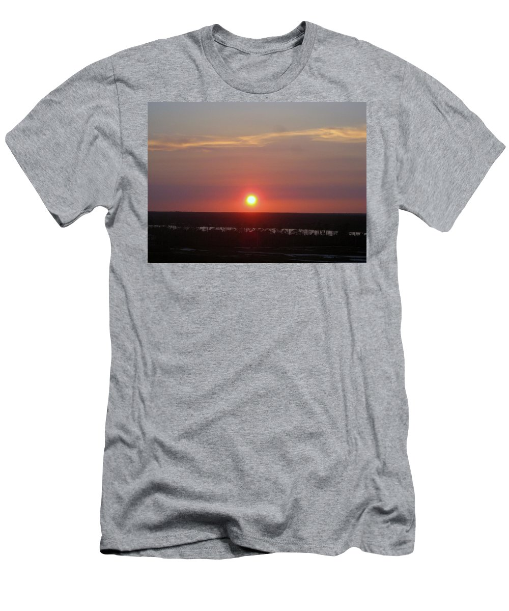 Florida Men's T-Shirt (Athletic Fit) featuring the photograph Sun Set On The Bayou by Robert Margetts