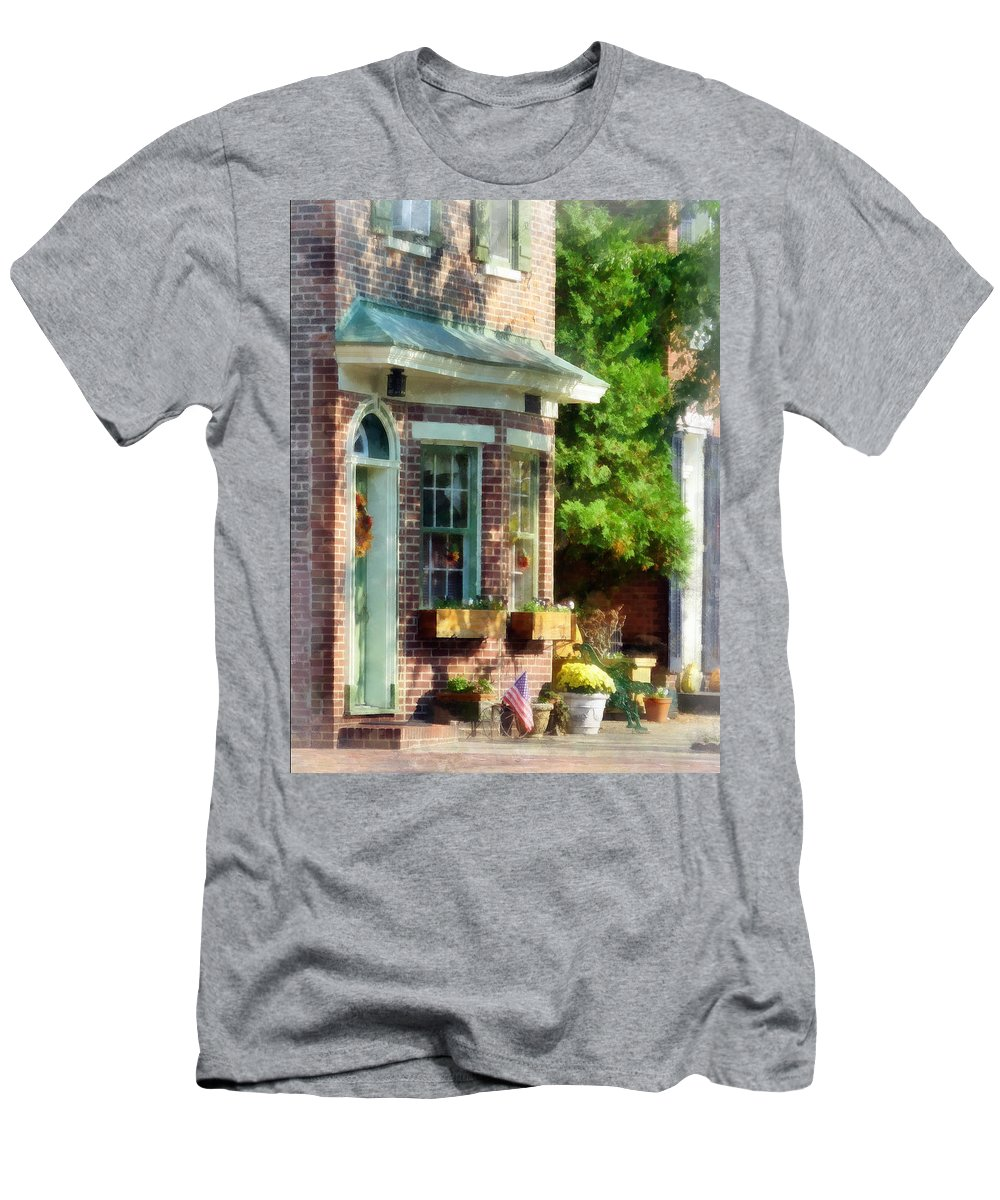 Brick Men's T-Shirt (Athletic Fit) featuring the photograph Sunny Afternoon New Castle De by Susan Savad
