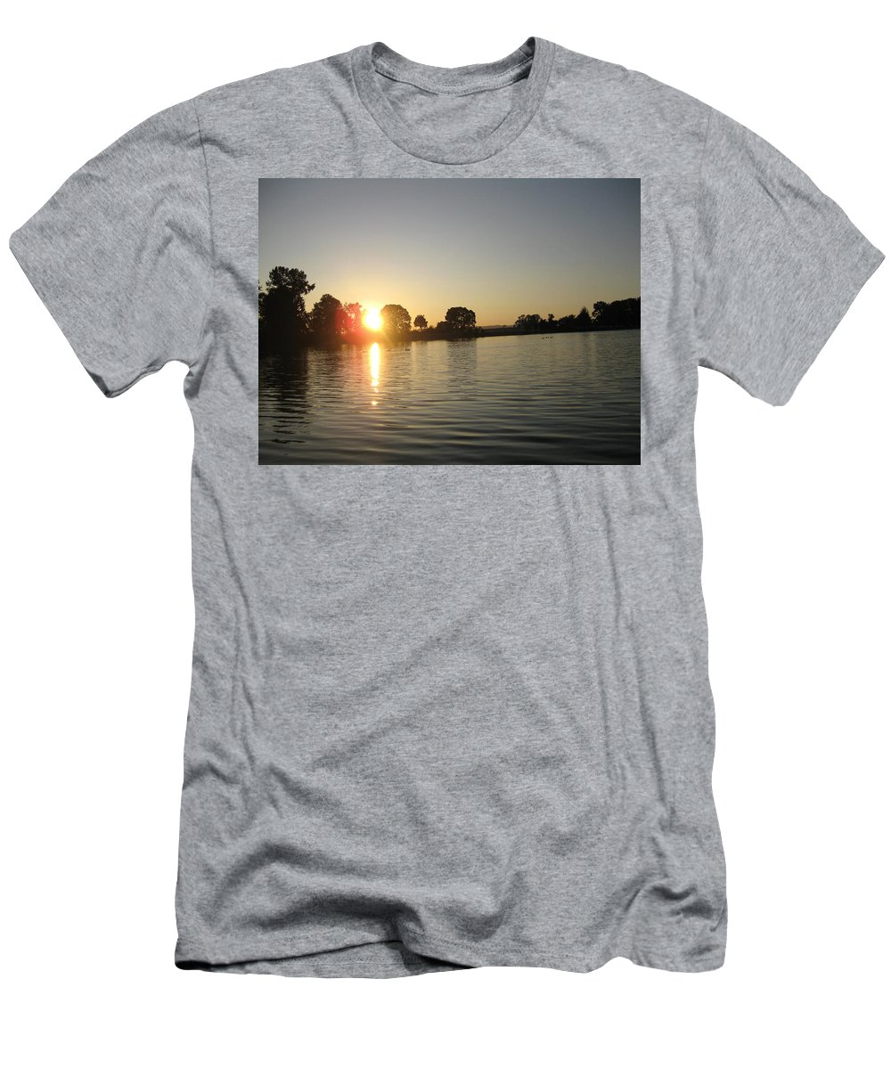 Sunset Men's T-Shirt (Athletic Fit) featuring the photograph Sunset On Walter Wirth Lake by Linda Hutchins