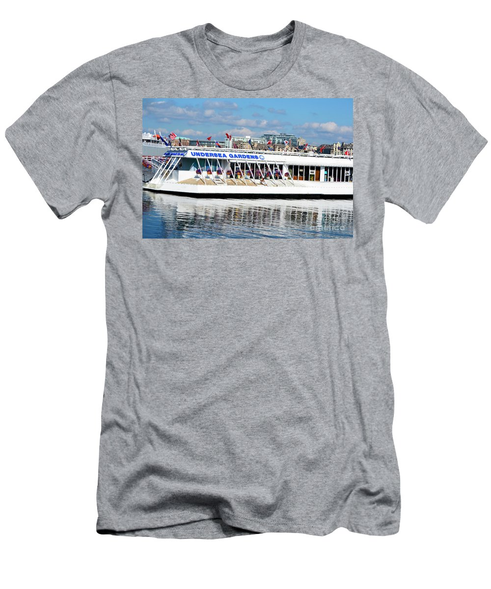 British Columbia Men's T-Shirt (Athletic Fit) featuring the photograph Undersea Gardens by Traci Cottingham