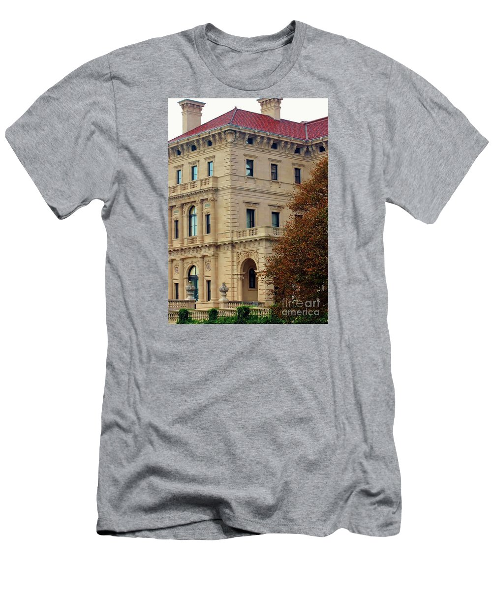 Villa Men's T-Shirt (Athletic Fit) featuring the photograph Villa In Fall by Kathleen Struckle