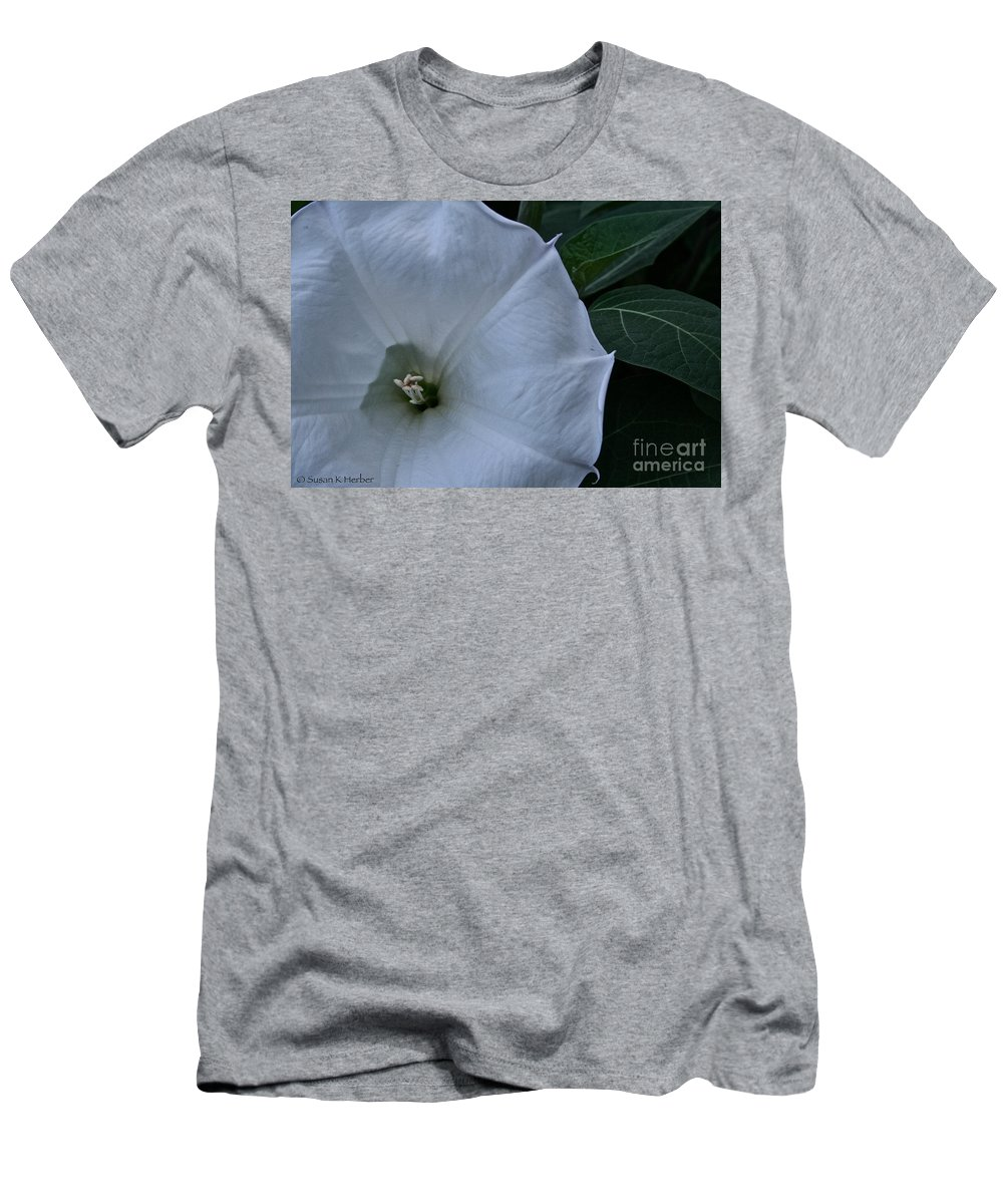 Plant Men's T-Shirt (Athletic Fit) featuring the photograph White Glory by Susan Herber