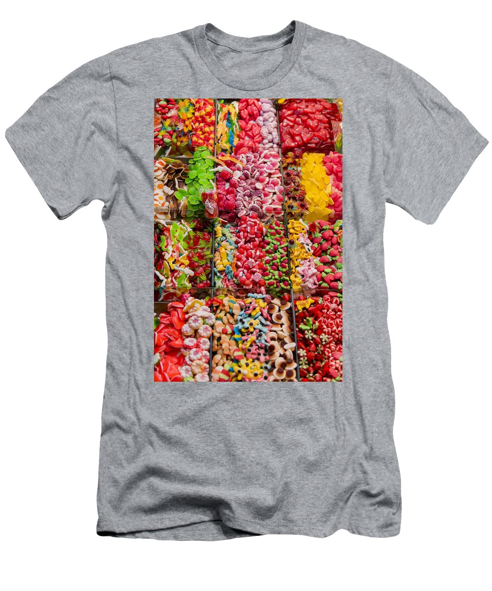 Barcelona Men's T-Shirt (Athletic Fit) featuring the photograph Candy Stand - La Bouqueria - Barcelona Spain by Jon Berghoff