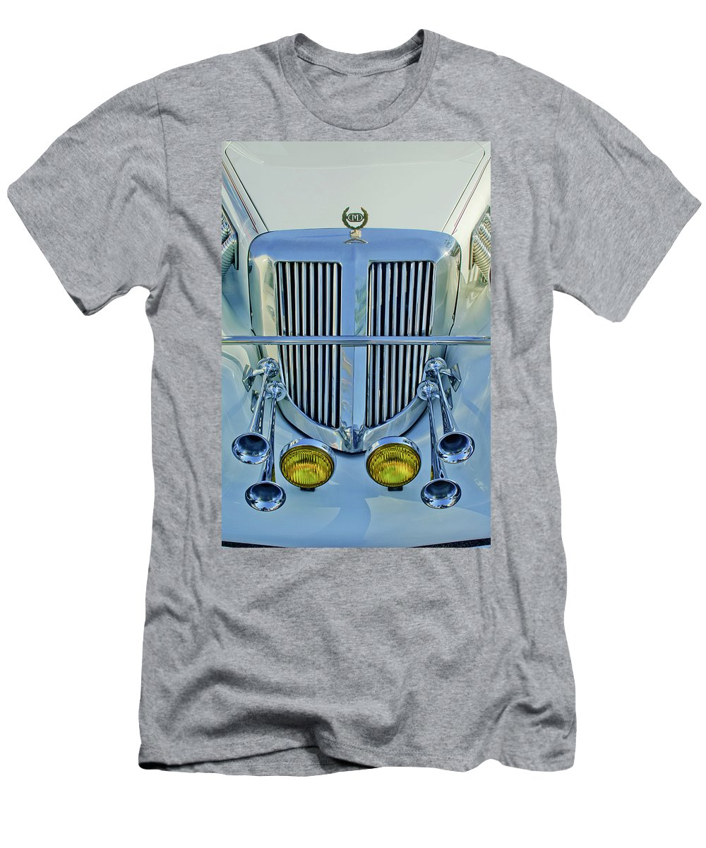 1985 Tiffany Coupe Men's T-Shirt (Athletic Fit) featuring the photograph 1985 Tiffany Coupe Grille by Jill Reger