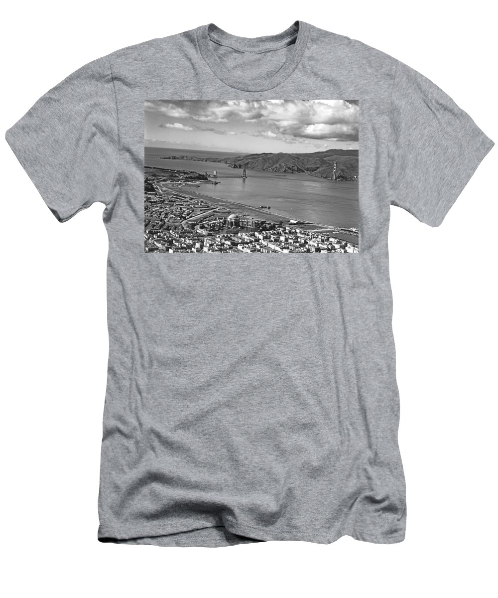 1930s Men's T-Shirt (Athletic Fit) featuring the photograph Gg Bridge Under Construction by Underwood Archives