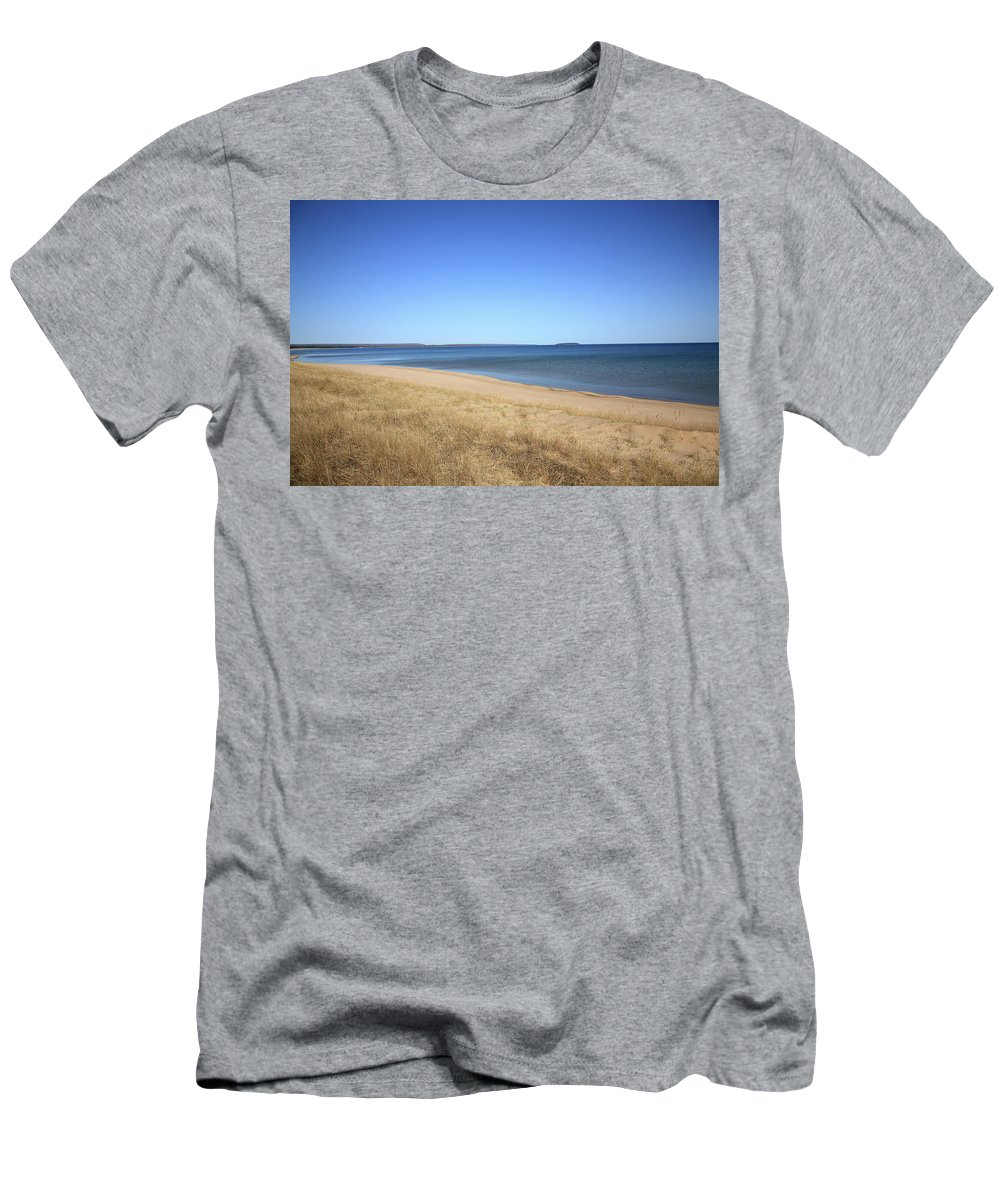 America Men's T-Shirt (Athletic Fit) featuring the photograph Lake Superior by Frank Romeo