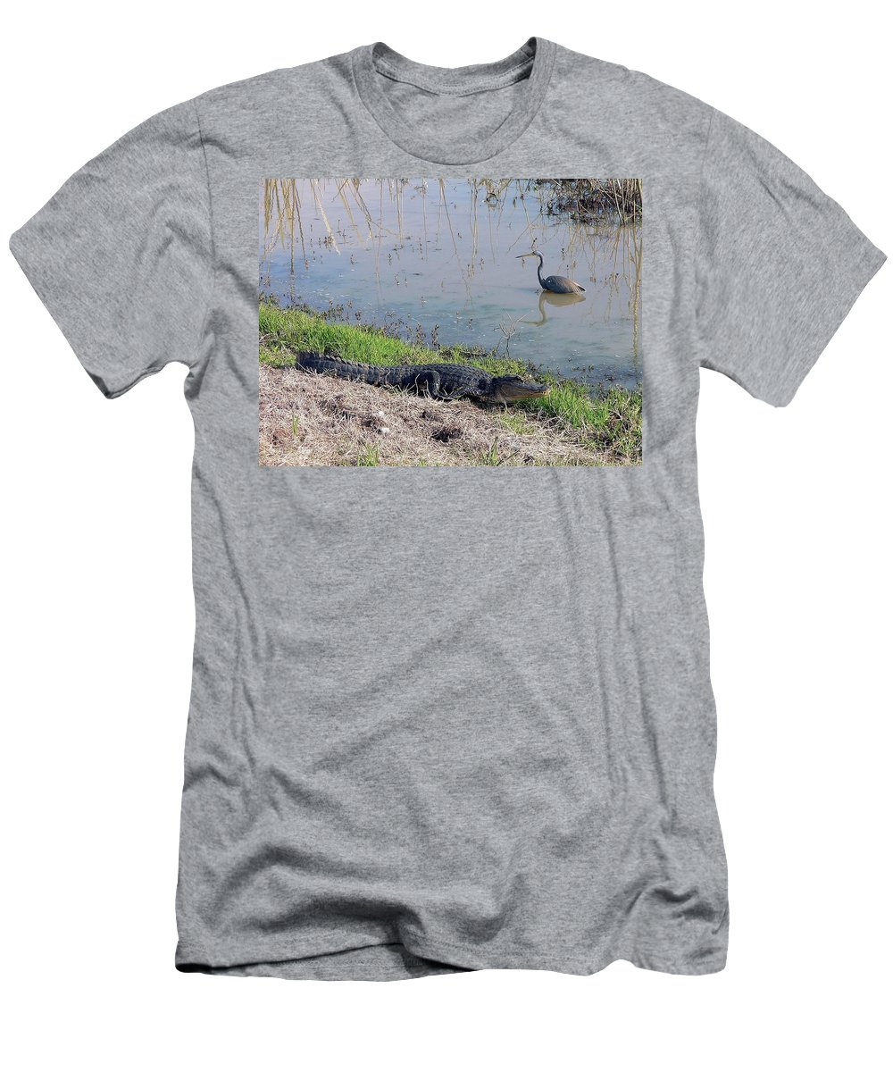 Nature Men's T-Shirt (Athletic Fit) featuring the photograph Alligator And Heron by Al Powell Photography USA