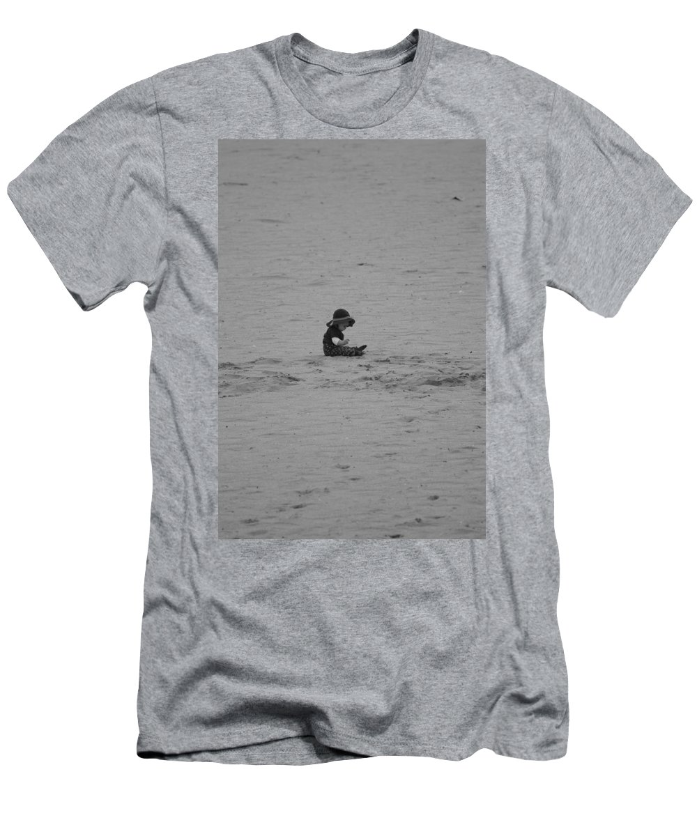 Black And White Men's T-Shirt (Athletic Fit) featuring the photograph Baby In The Sand by Rob Hans