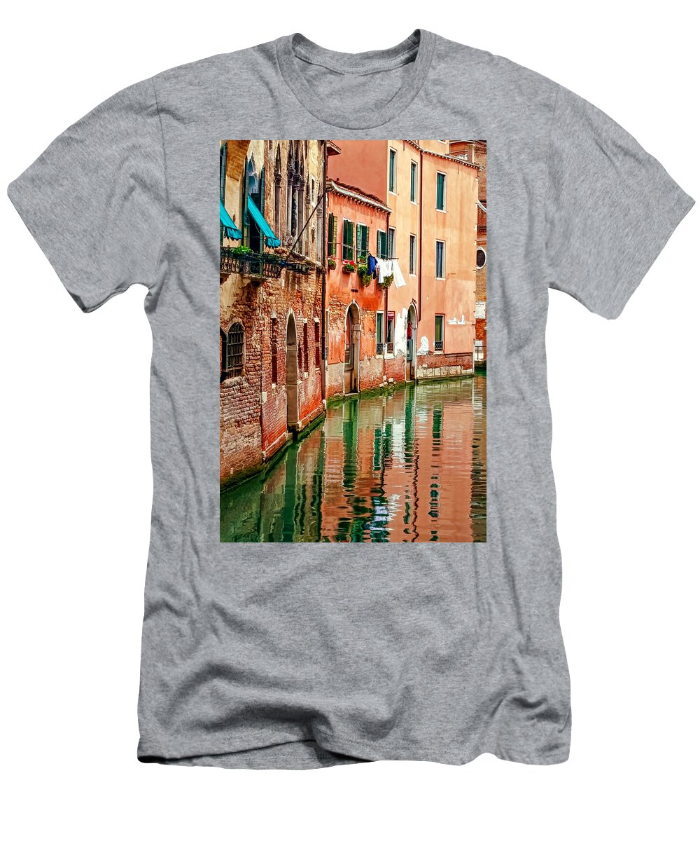 Alley Men's T-Shirt (Athletic Fit) featuring the photograph Back Alley by Maria Coulson