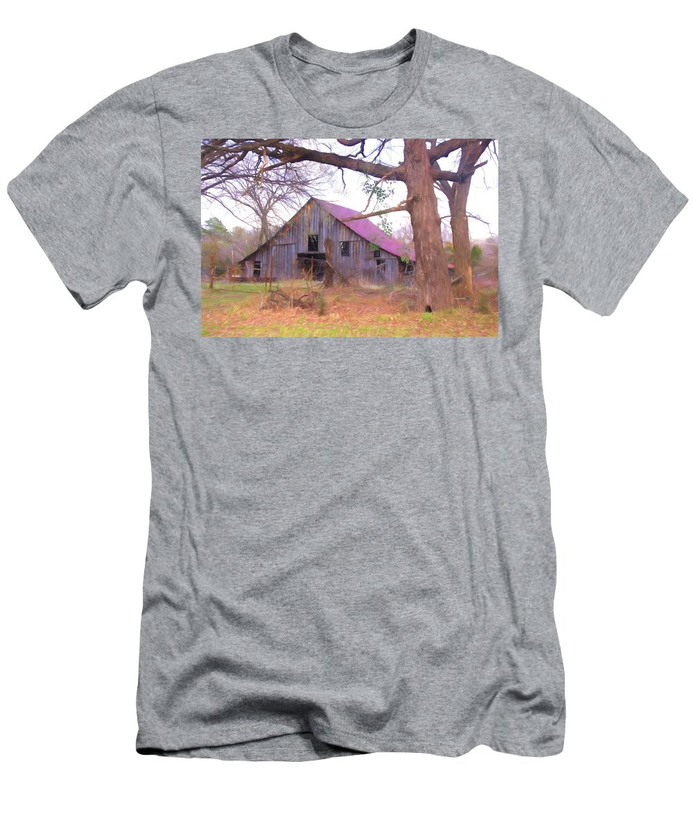 Susan Men's T-Shirt (Athletic Fit) featuring the photograph Barn In The Valley by Susan Crossman Buscho