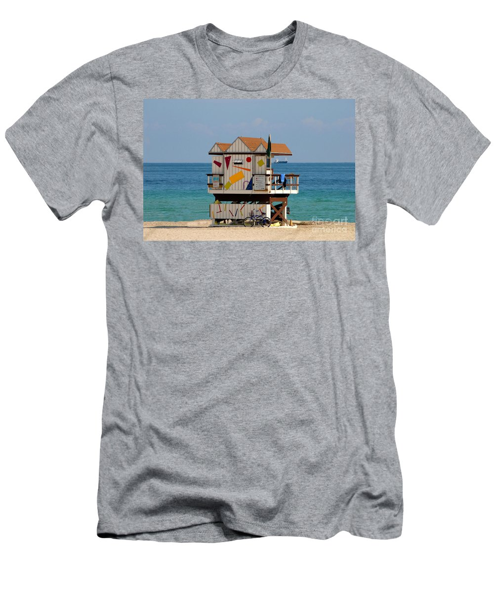 Miami Beach Men's T-Shirt (Athletic Fit) featuring the photograph Blue Bicycle by David Lee Thompson