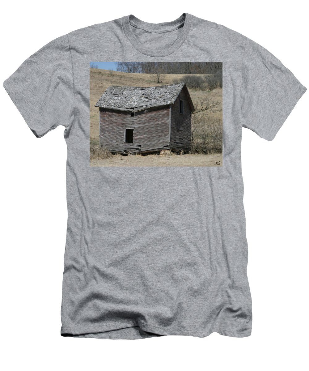 Old Barns T-Shirt featuring the photograph Breaking Up by Bjorn Sjogren
