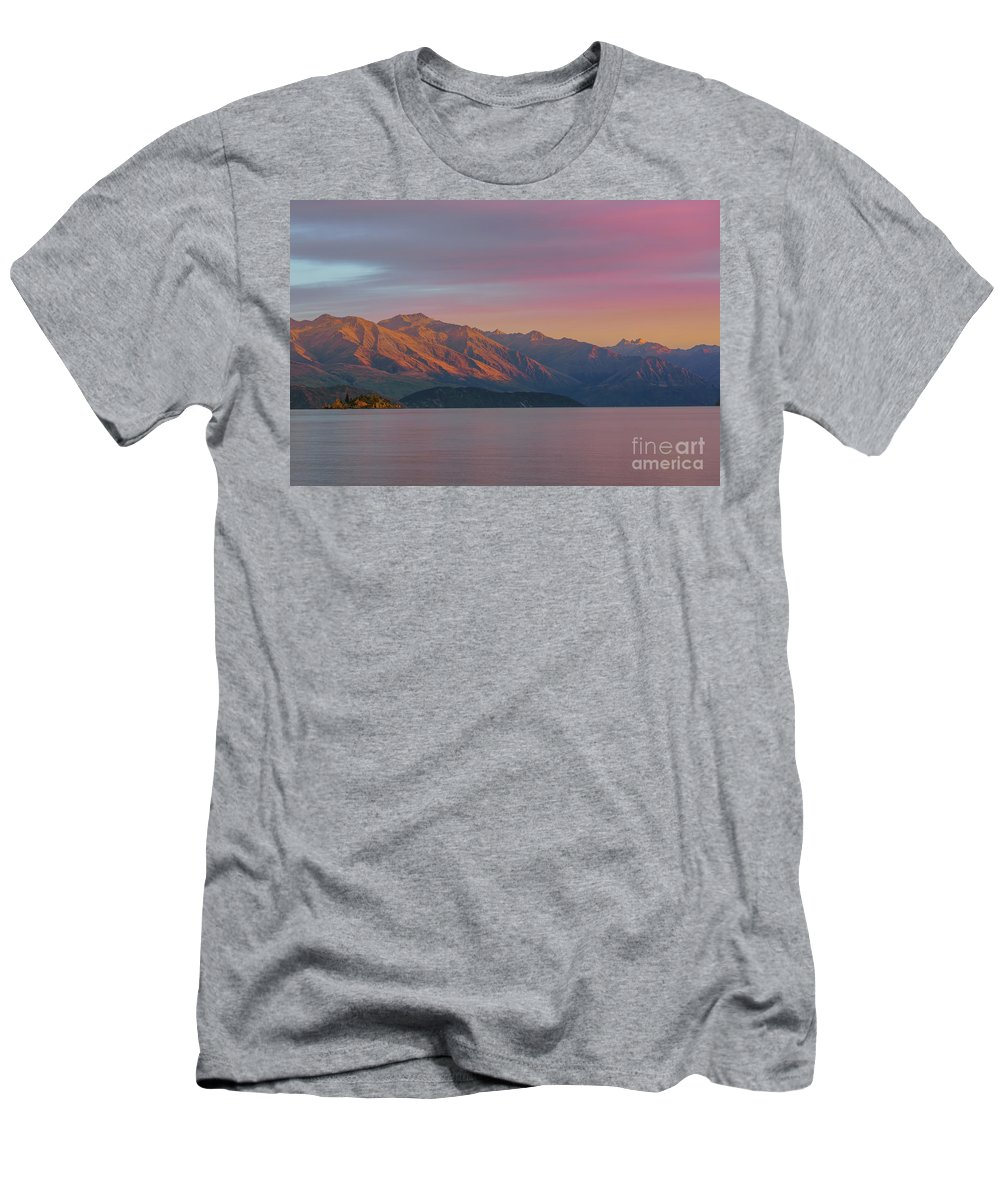 Wanaka Men's T-Shirt (Athletic Fit) featuring the photograph Burning Mountain by Kamrul Arifin Mansor
