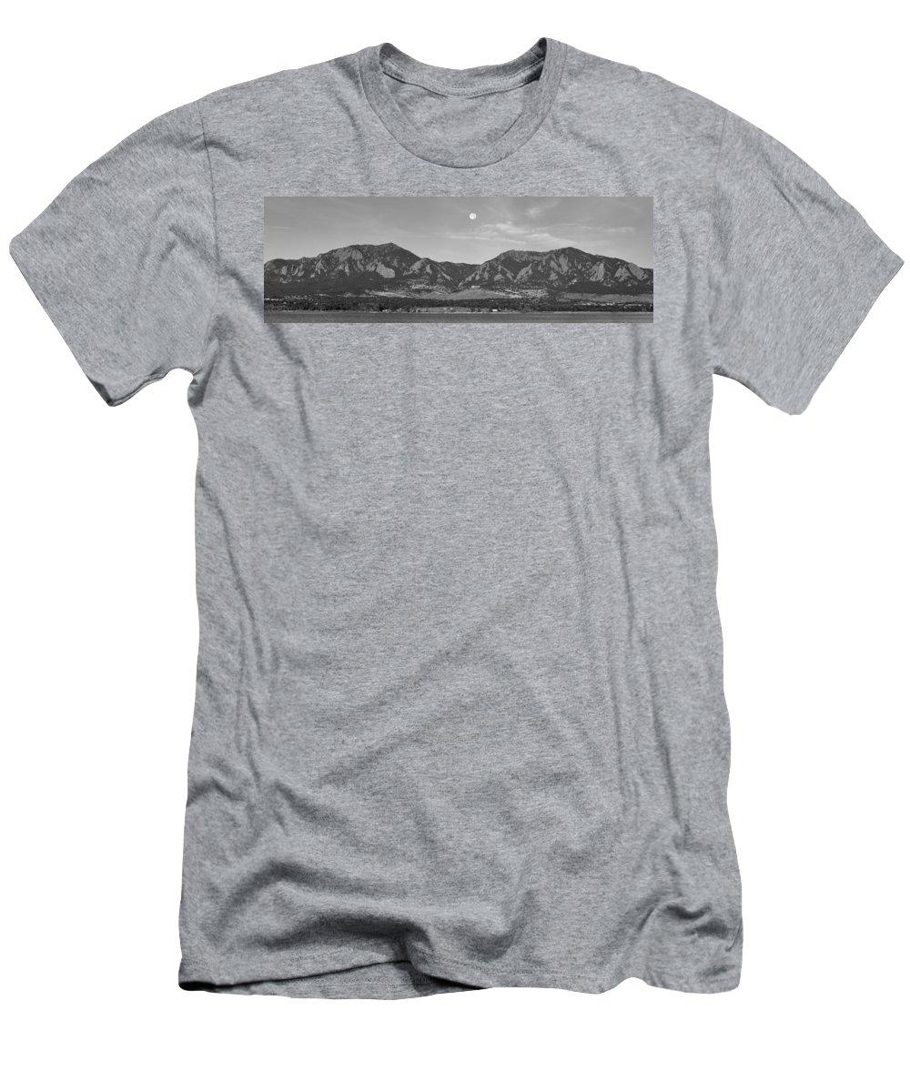 Bw Full Moon Boulder Colorado Front Range Panorama T-Shirt