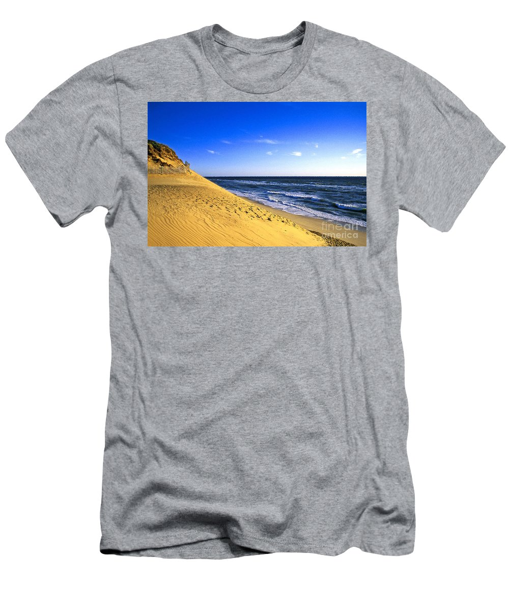 Cape Cod Men's T-Shirt (Athletic Fit) featuring the photograph Cahoon Beach by John Greim