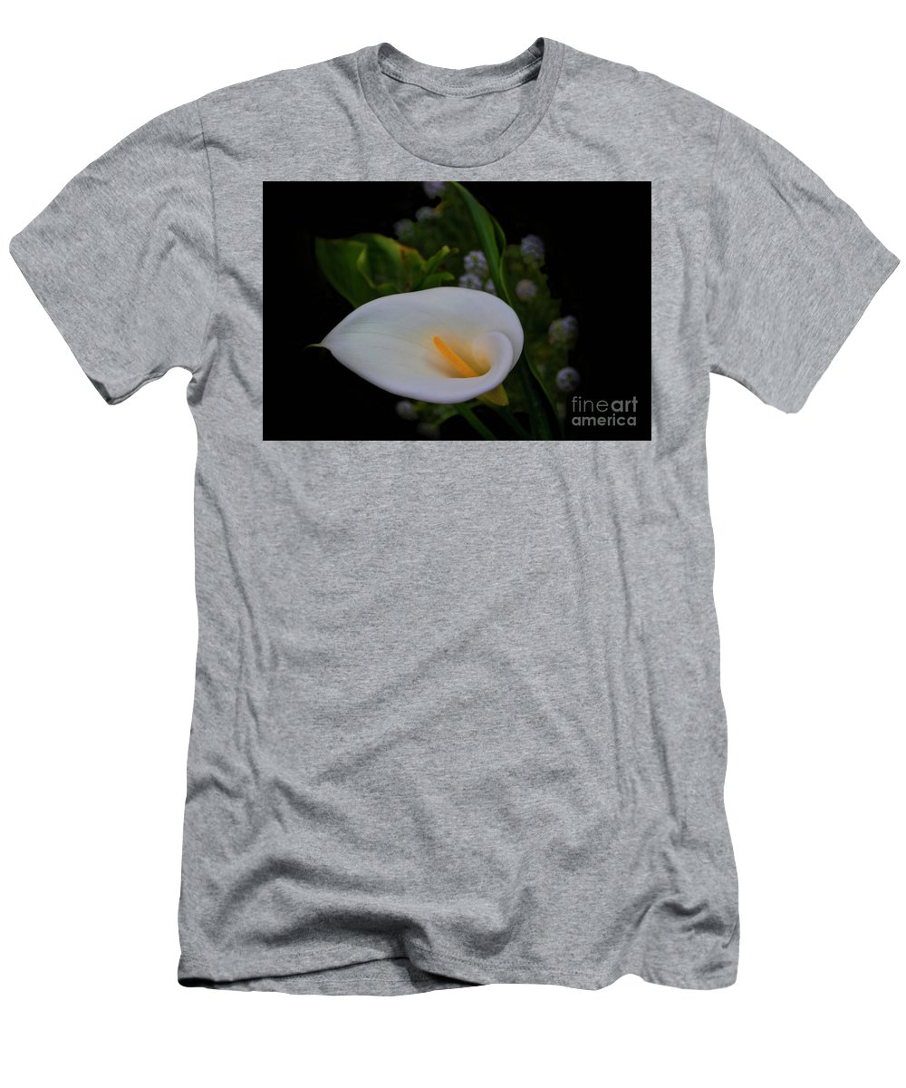 Calla Men's T-Shirt (Athletic Fit) featuring the photograph Calla In The Garden II by Al Bourassa