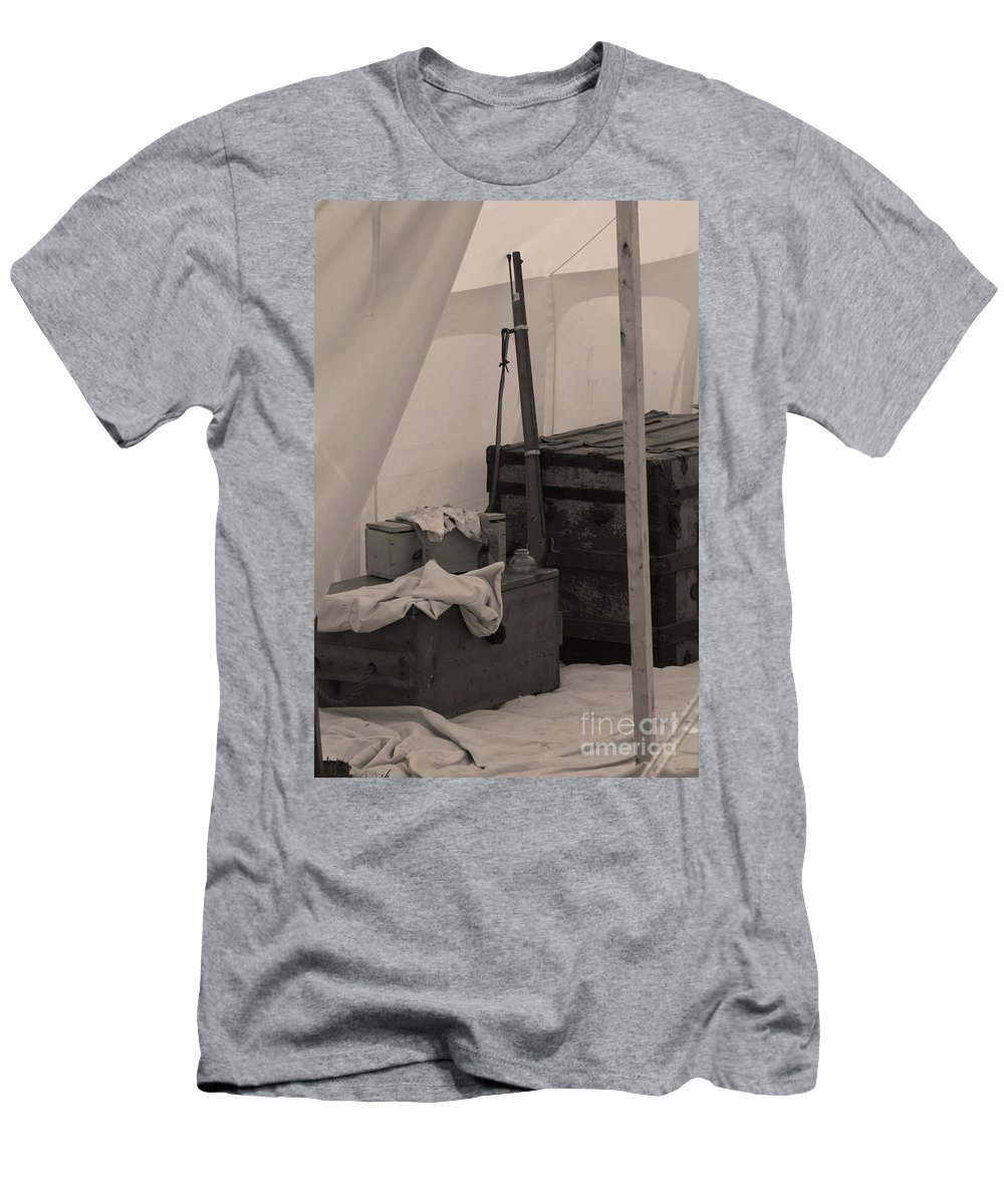 Civil War Men's T-Shirt (Athletic Fit) featuring the photograph Camp Life by Tommy Anderson