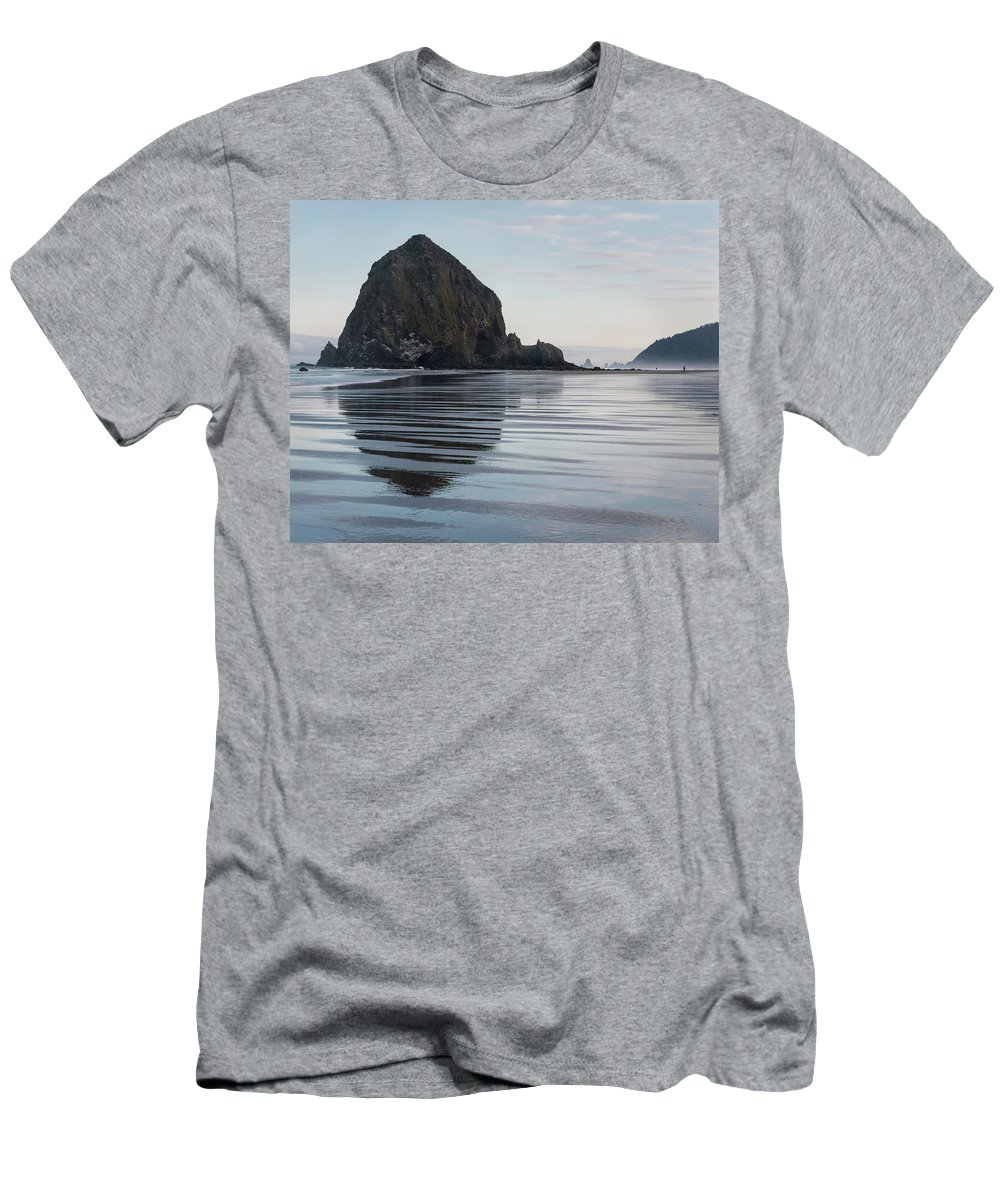 Oregon Men's T-Shirt (Athletic Fit) featuring the photograph Cannon Beach 6211 by Bob Neiman