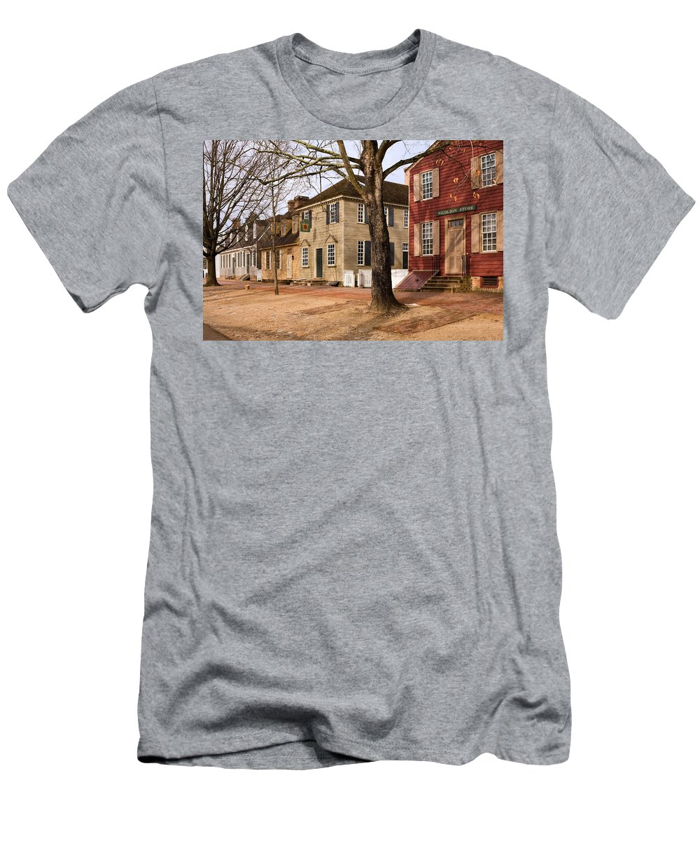 Duke Of Gloucester Street Men's T-Shirt (Athletic Fit) featuring the photograph Colonial Street Scene by Sally Weigand