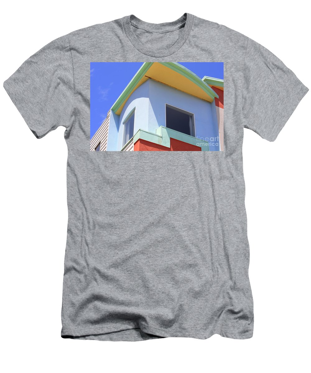 San Franciso Men's T-Shirt (Athletic Fit) featuring the photograph Colorful House In San Francisco by Carol Groenen